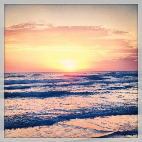 Gold Coast Sun Rise Surfers Paradise
